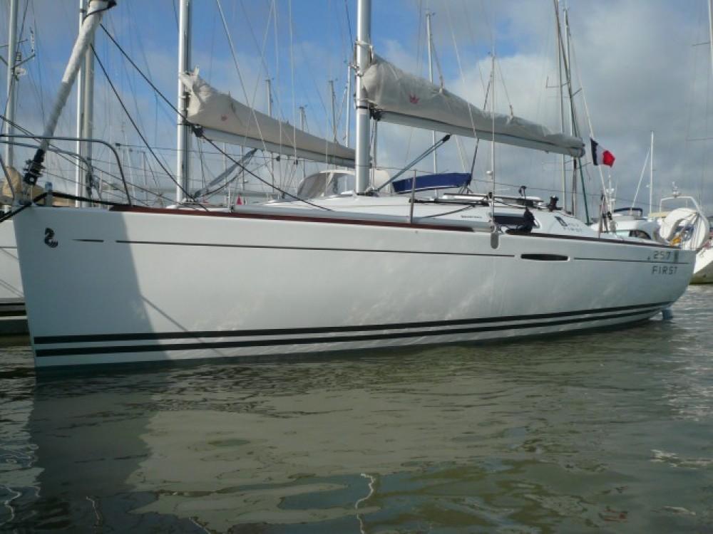 Bootverhuur Saint-Gilles-Croix-de-Vie goedkoop First 25.7 S