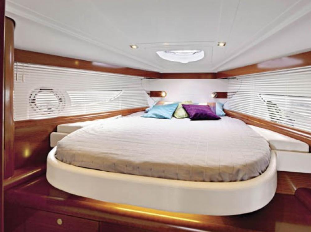 Huur Motorboot met of zonder schipper Bénéteau in Sausset-les-Pins