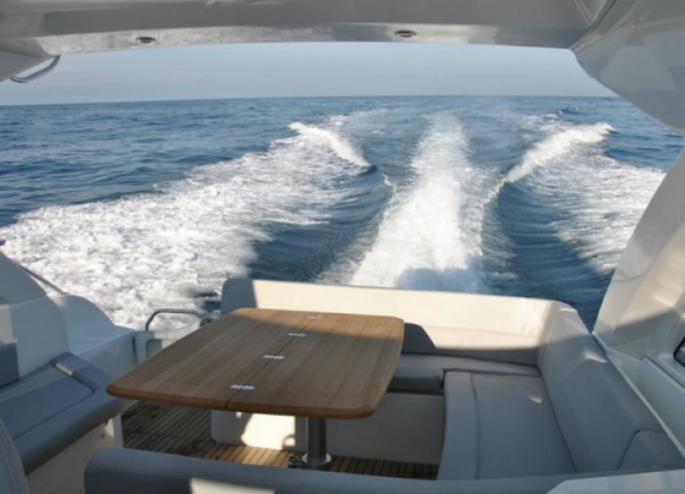 Motorboot te huur in Sausset-les-Pins voor de beste prijs