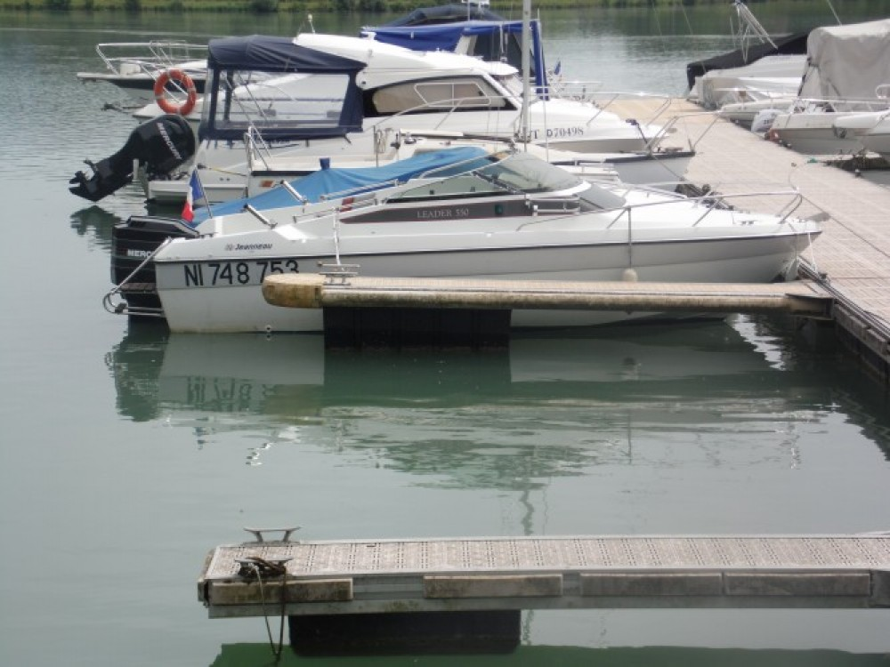 Huur Motorboot met of zonder schipper Jeanneau in Virignin