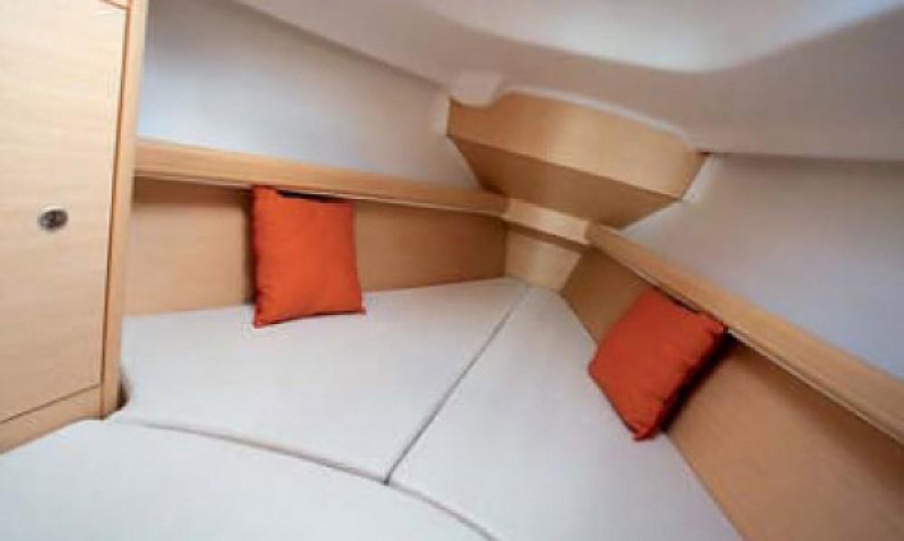 Zeilboot te huur in Saint-Gilles-Croix-de-Vie voor de beste prijs