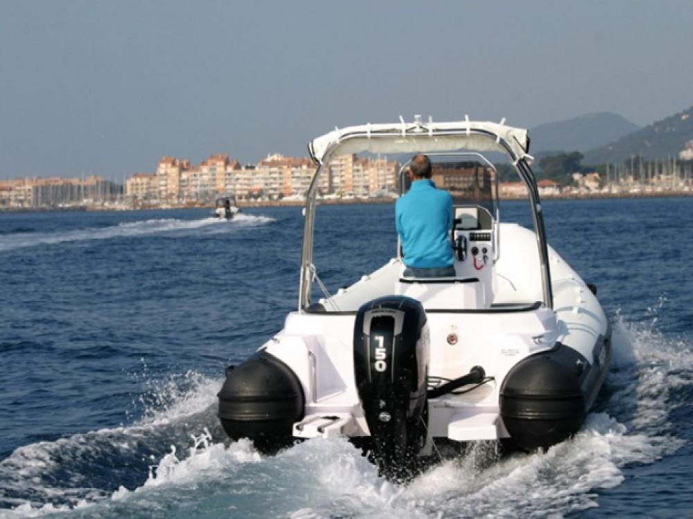 Bootverhuur Italboats Predator 650 in Hyères via SamBoat