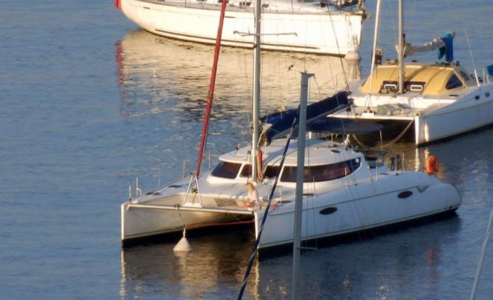 Jachthuur in Marseille - Fountaine Pajot Lavezzi 40 via SamBoat