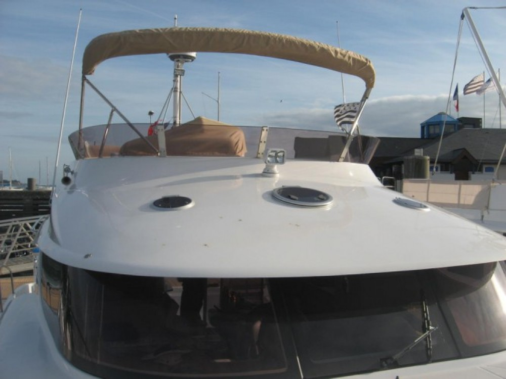 Bootverhuur Fountaine Pajot Summerland 40 in La Trinité-sur-Mer via SamBoat