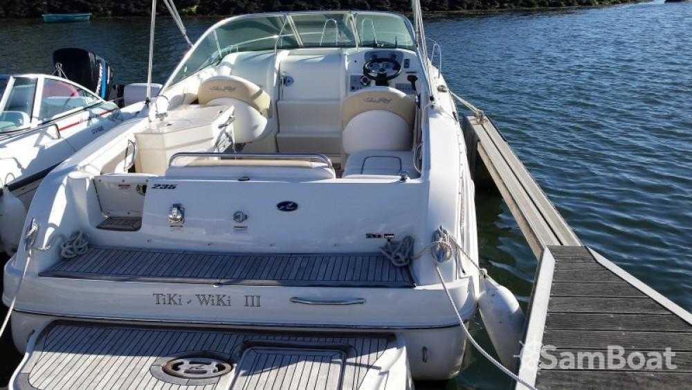 Bootverhuur Larmor-Plage goedkoop Sea Ray 235 Weekender