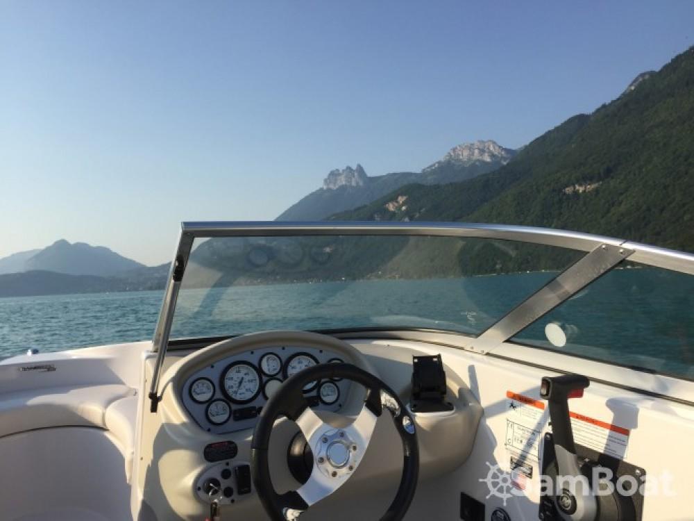 Verhuur Motorboot Glastron met vaarbewijs