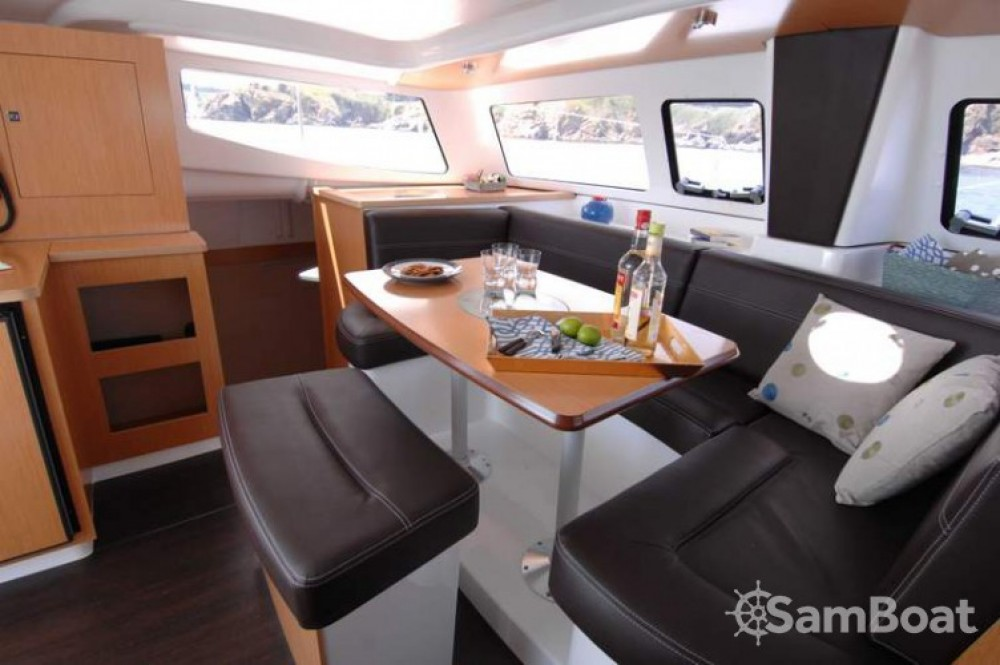 Huur een Fountaine Pajot Mahe 36 Evolution in Le Marin