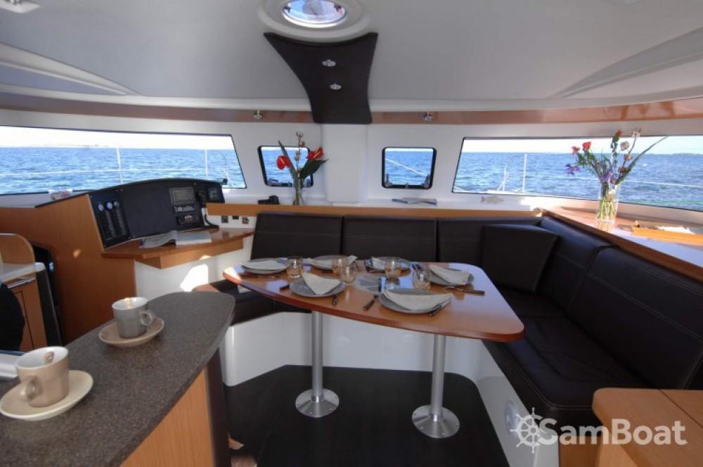 Verhuur Catamaran in  - Fountaine Pajot Lipari 41
