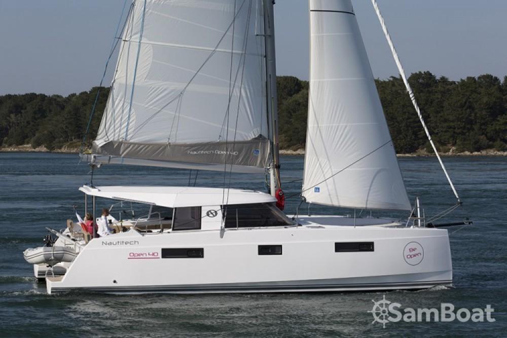 Verhuur Catamaran in  - Nautitech Nautitech Open 40