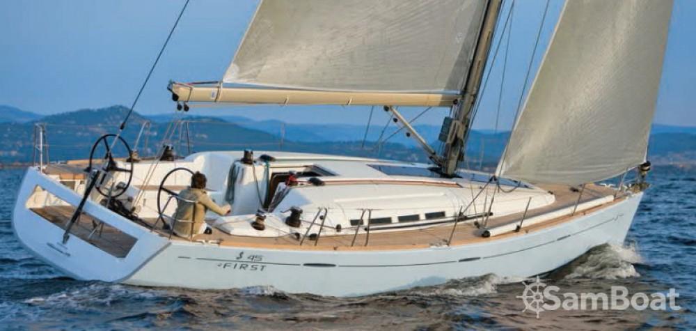 Bootverhuur La Grande-Motte goedkoop First 45