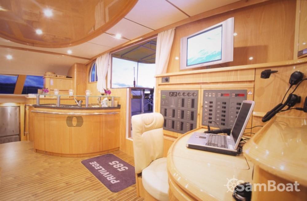 Alliaura-Marine Privilege 585 te huur van particulier of professional in Ajaccio