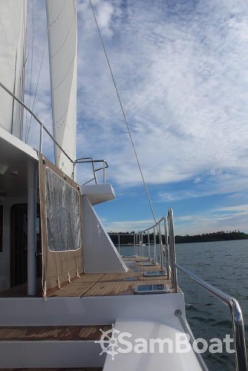 Huur Catamaran met of zonder schipper Catamaran-Jade in Galle