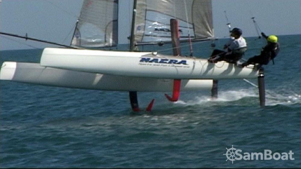 Catamaran te huur in La Grande-Motte voor de beste prijs