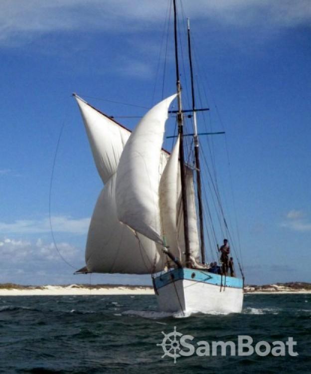 Huur Zeilboot met of zonder schipper Unique in Toliara