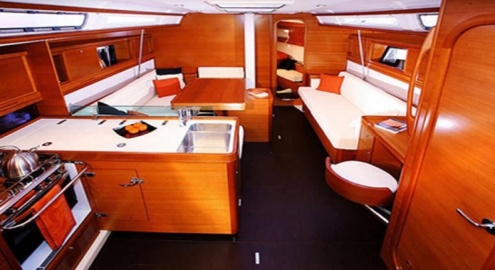 Verhuur Zeilboot in Agde - Dufour Dufour 45 E Performance