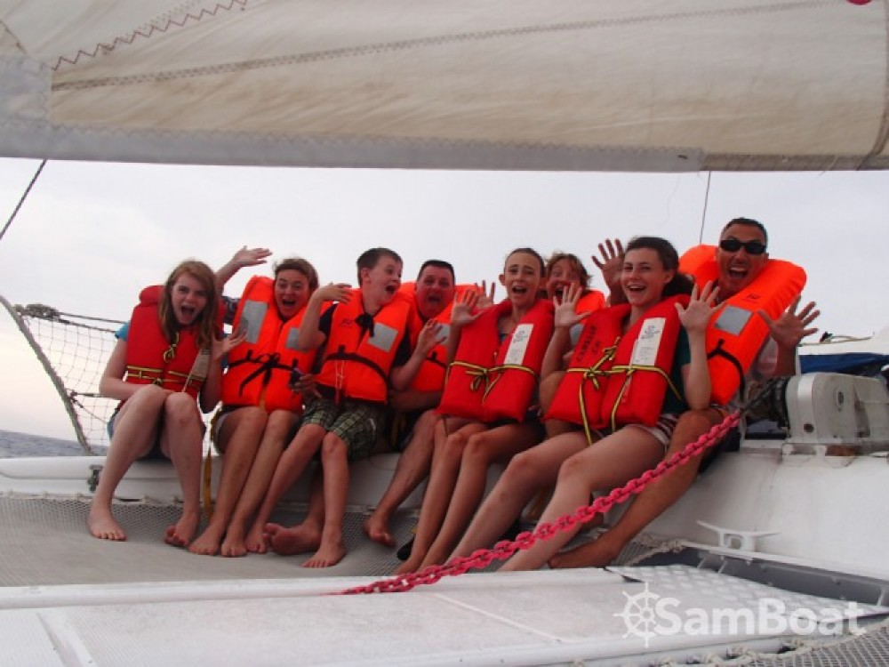 Catamaran te huur in Port Charles Ornano voor de beste prijs