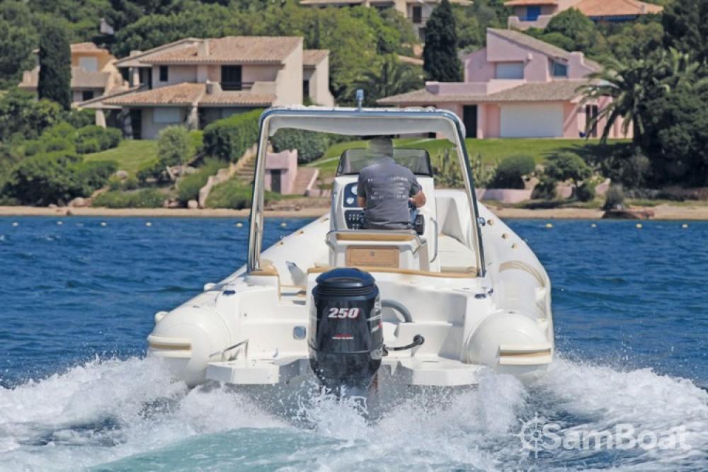 Rubberboot te huur in Ajaccio voor de beste prijs