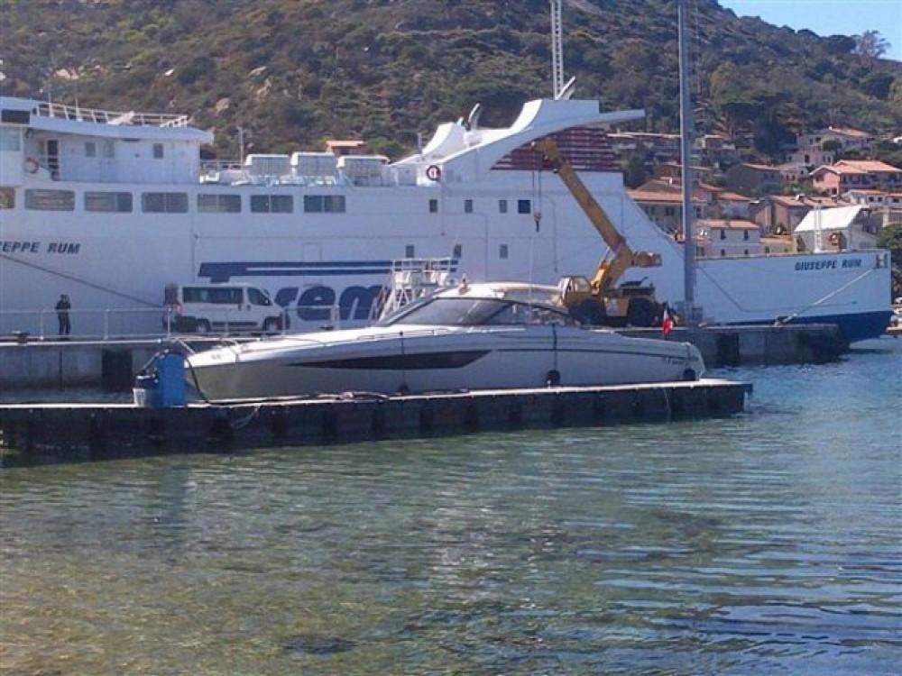 Huur Motorboot met of zonder schipper Baia in Calvi