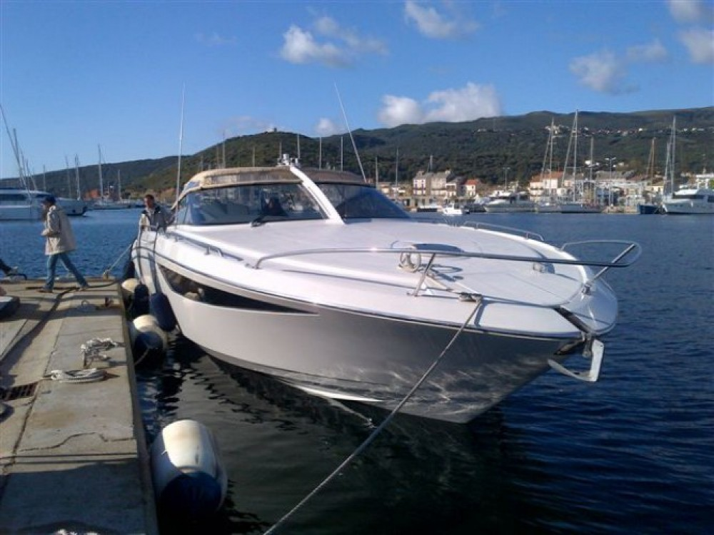 Verhuur Motorboot Baia met vaarbewijs