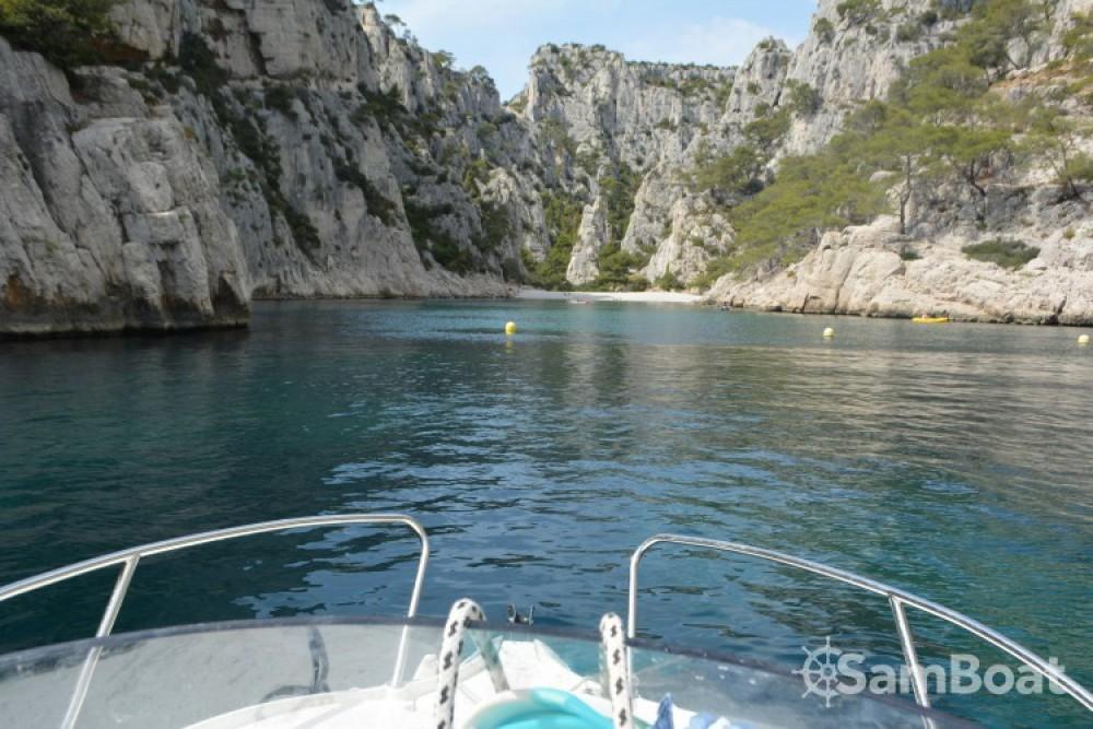 Quicksilver Activ 470 Cabin (permis bateau obligatoire) te huur van particulier of professional in La Ciotat
