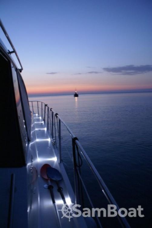 Huur Motorboot met of zonder schipper Sealine in