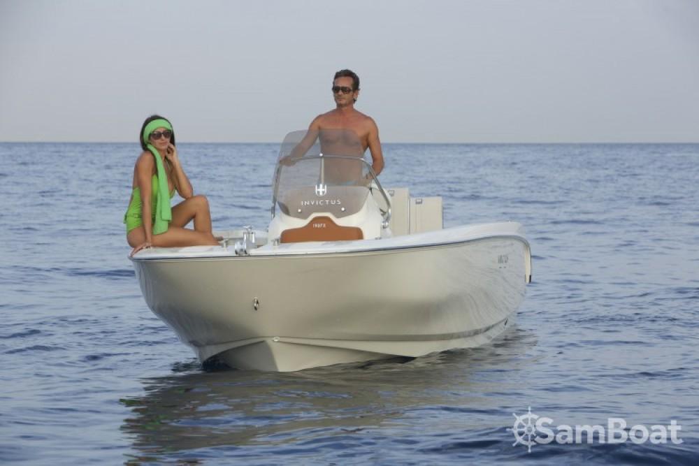 Verhuur Motorboot in  - Invictus  Invictus 190 FX