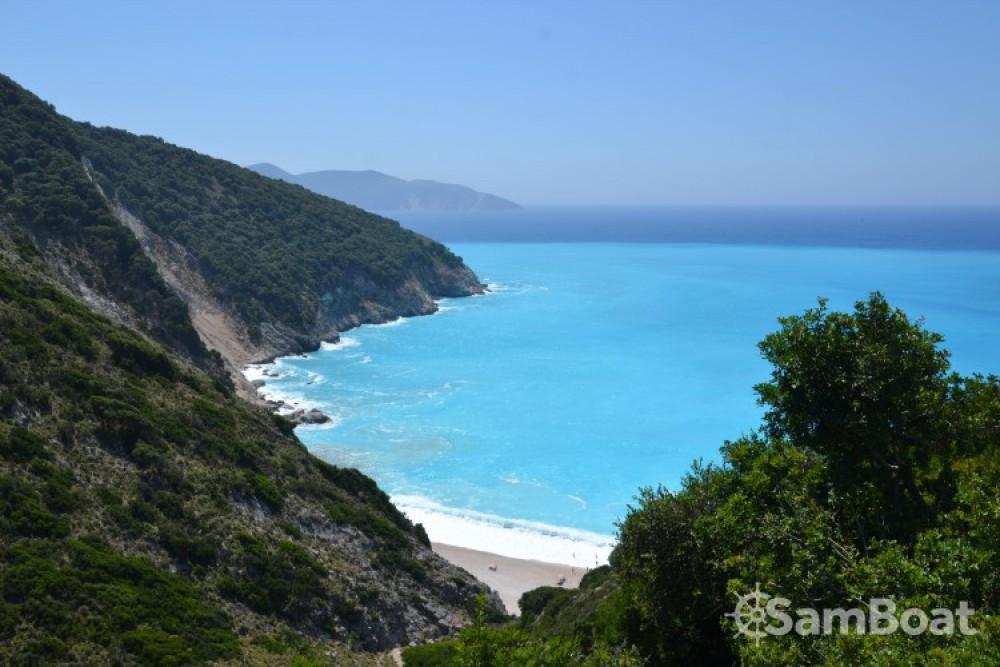 Jachthuur in  - Cantiere Del Pardo Grand Soleil 50 via SamBoat