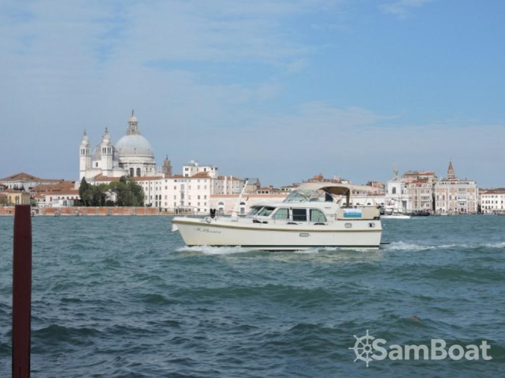 Bootverhuur Linssen Linssen Grand Sturdy 410 AC in Venetië via SamBoat
