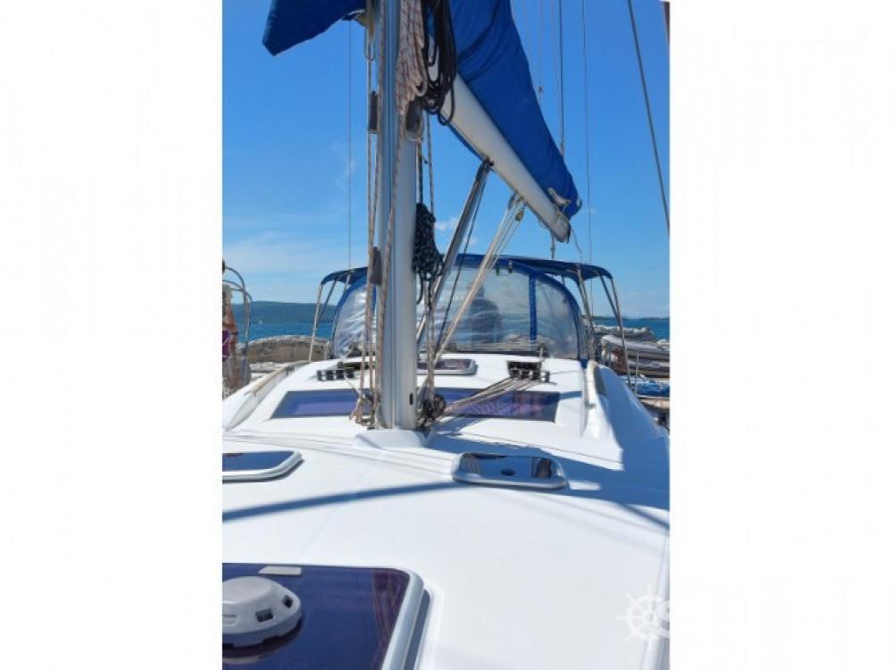 Verhuur Zeilboot in Grad Biograd na Moru - Bénéteau Oceanis 43