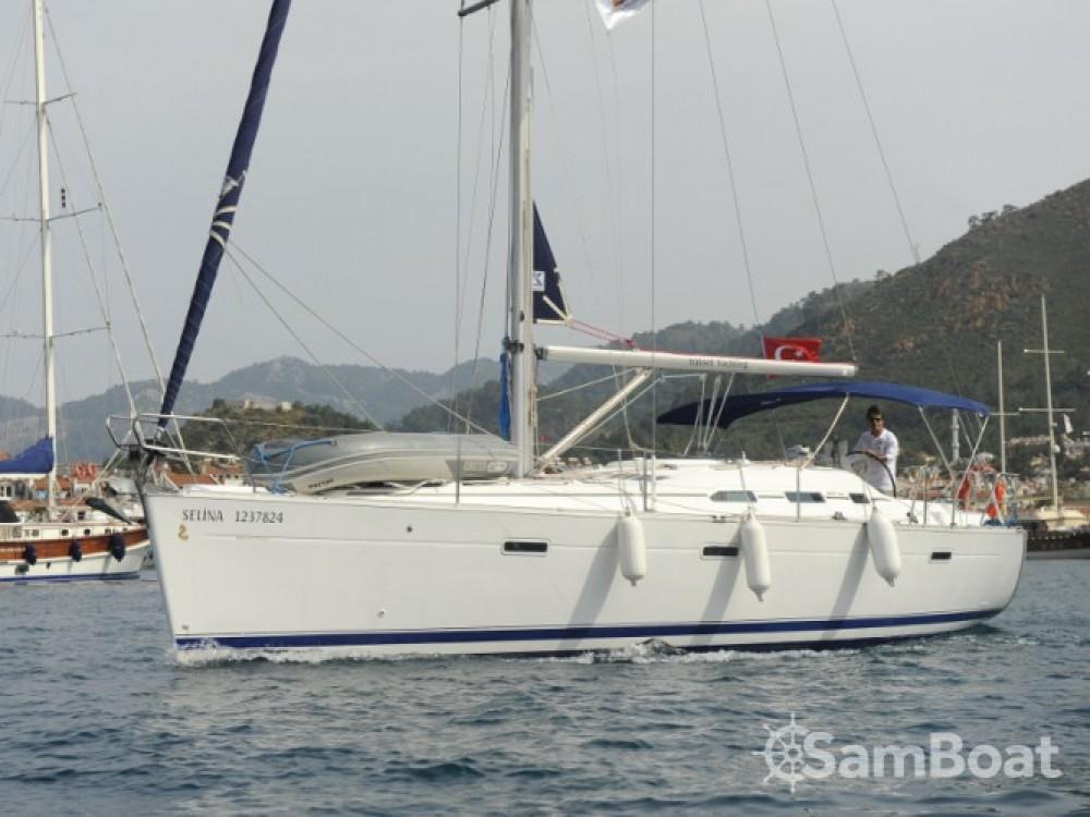 Huur een Bénéteau Oceanis 393 in Marmaris