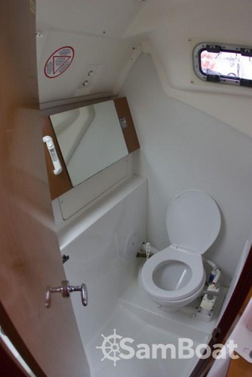 Bootverhuur Bénéteau Oceanis 31 in Trogir via SamBoat