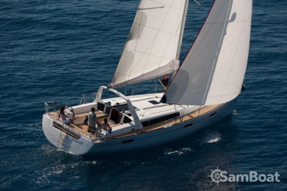 Bootverhuur Bénéteau Oceanis 45 in Trogir via SamBoat