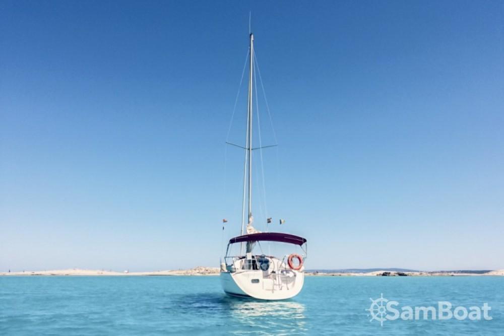 Huur Zeilboot met of zonder schipper Bénéteau in Club Naútico Ibiza