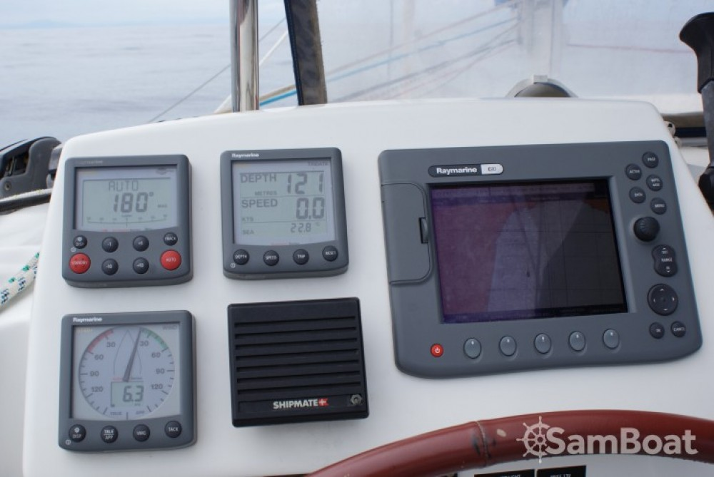 Verhuur Catamaran in Le Verdon-sur-Mer - Lagoon Lagoon 380 S2