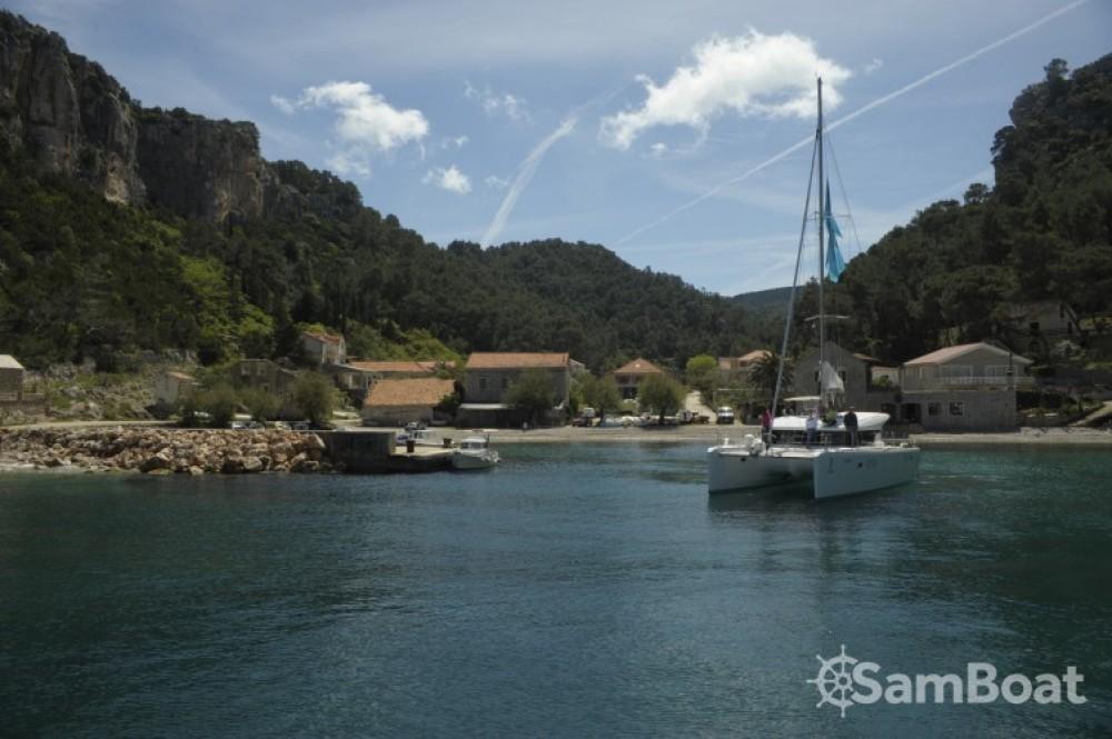 Huur een Lagoon Lagoon 39 in Split