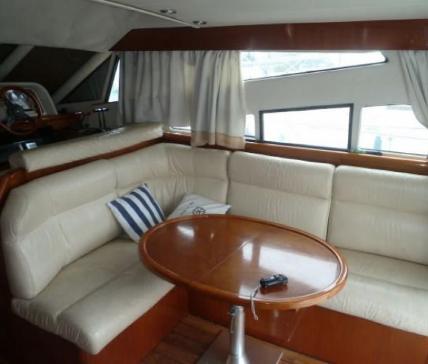 Verhuur Motorboot in Les Roches-de-Condrieu - Arcoa 1107 Yacht flybrige