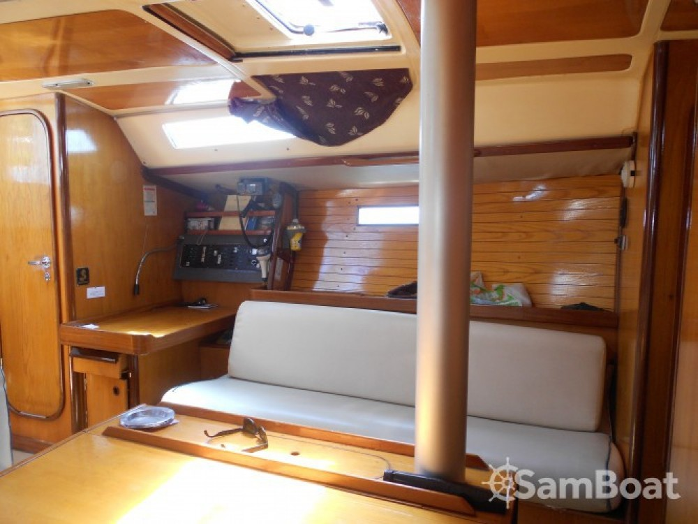 Bootverhuur Bénéteau Oceanis 390 in Athènes via SamBoat