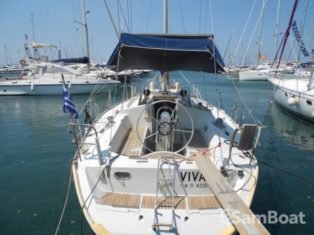 Bootverhuur Athènes goedkoop Oceanis 390