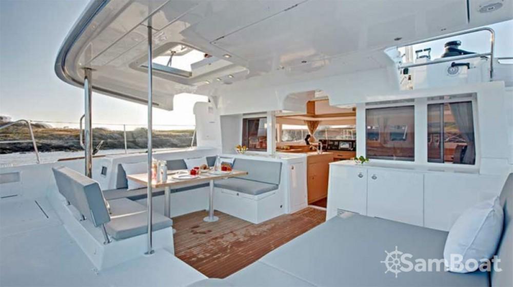 Verhuur Catamaran in Álimos - Lagoon Lagoon 450