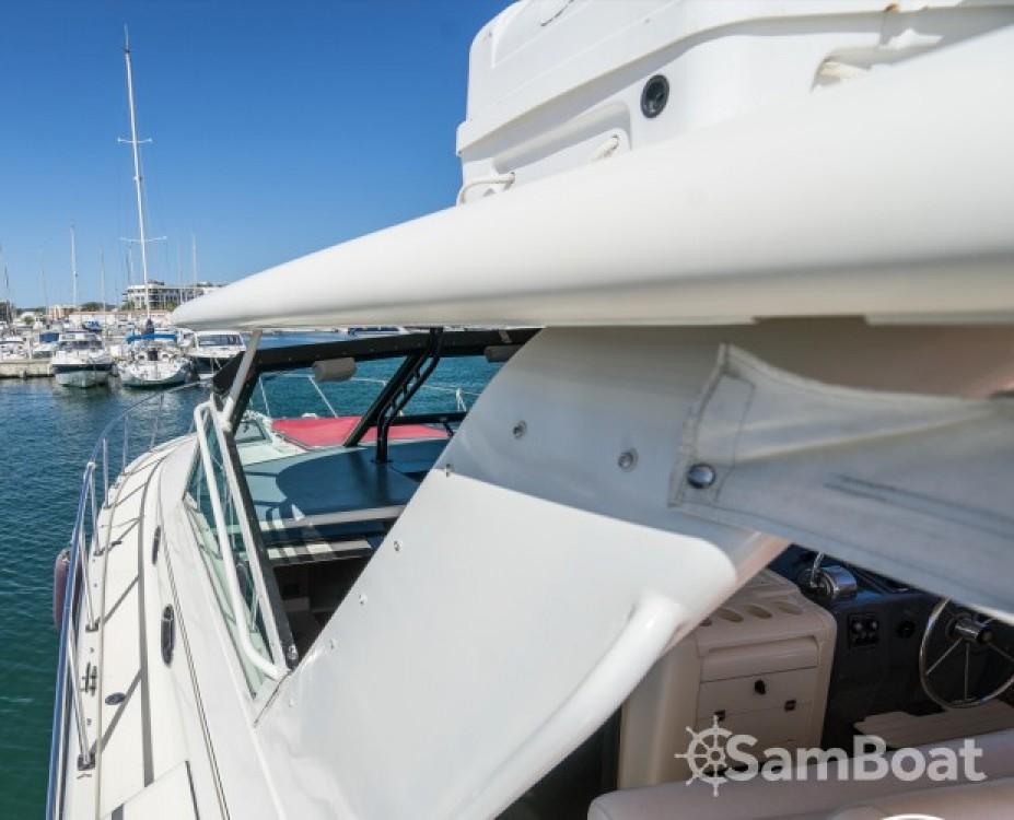 Huur Motorboot met of zonder schipper Tiara in Cambrils