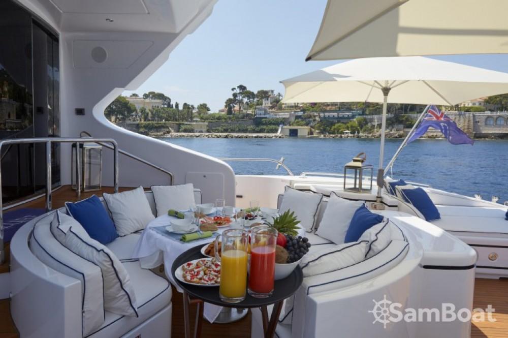 Mangusta 31.4 te huur van particulier of professional in Saint-Tropez