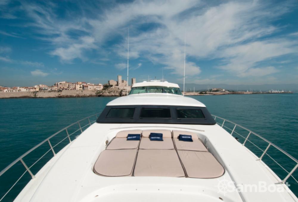 Mangusta 32 te huur van particulier of professional in Saint-Tropez