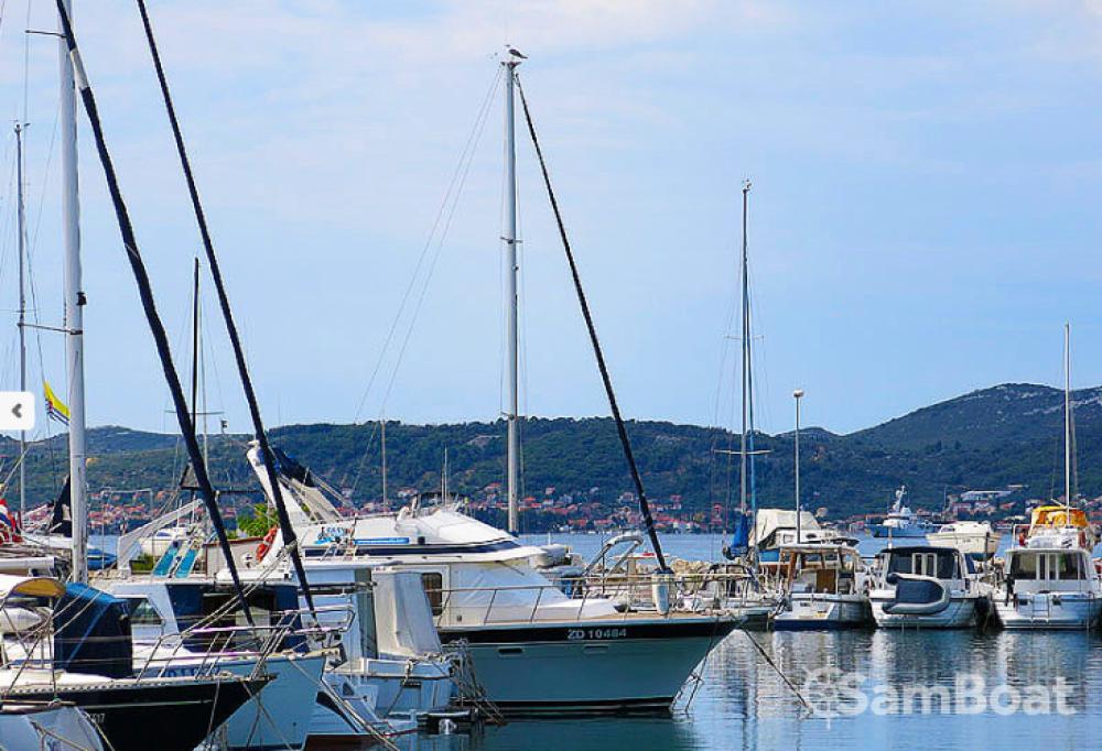 Verhuur Motorboot Trawler met vaarbewijs