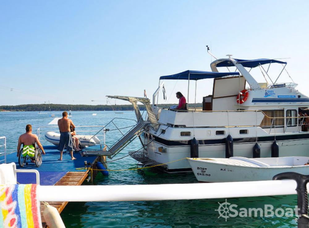 Jachthuur in Grad Zadar - Trawler Wheelchair accessible boat via SamBoat