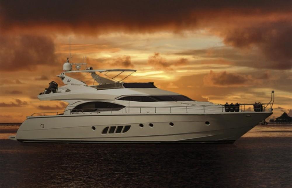 Huur een Dominator yacht in Athene