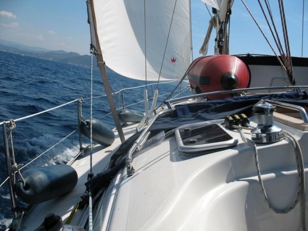 Huur een Bavaria Cruiser 38 in Grimaud