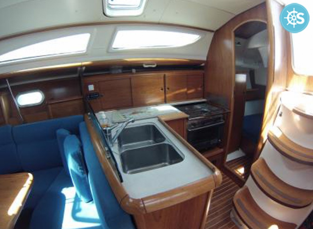 Jachthuur in  - Jeanneau Sun Odyssey 35 via SamBoat
