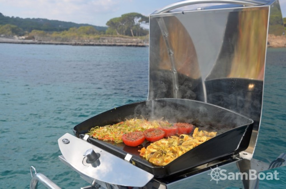 Bootverhuur Lagoon Lagoon 420 in Port Grimaud via SamBoat