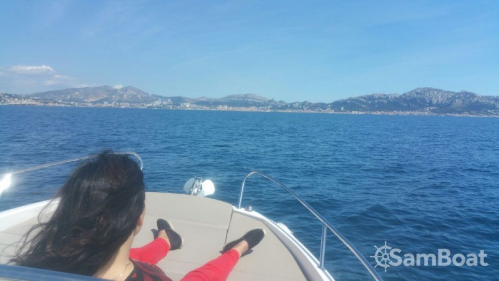 Bootverhuur Quicksilver Quicksilver 605 Sundeck in Marseille via SamBoat