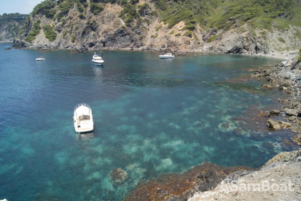 Huur Motorboot met of zonder schipper Cranchi in Toulon